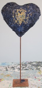 upcycling heart art