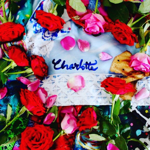 charlotte_olsson_art_design_pattern_swedishart_champagne_recyclingart_silk_exclusive_original_inspiration_flowers_scarf_näsduk_pocketsquare